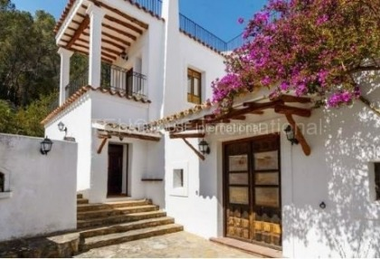 Rustic finca for sale within walking distance of Santa Eularia_0