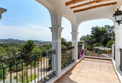 Rustic finca for sale within walking distance of Santa Eularia_4