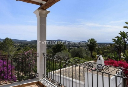 Rustic finca for sale within walking distance of Santa Eularia_6