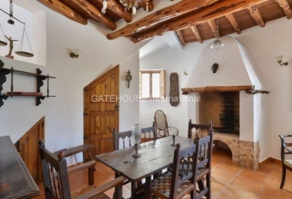 Rustic finca for sale within walking distance of Santa Eularia_7