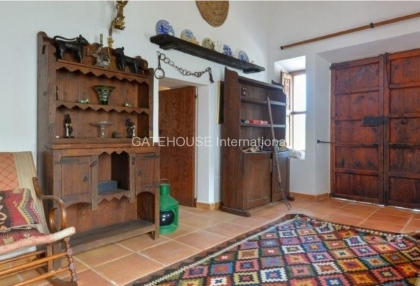 Rustic finca for sale within walking distance of Santa Eularia_8
