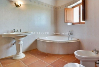 Rustic finca for sale within walking distance of Santa Eularia_9