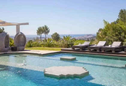 Large luxury villa with views over Ibiza Town_4