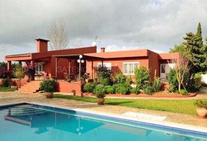 Villa with pool close to Ibiza Town_1