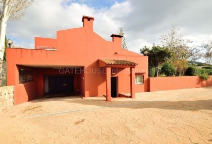 Villa with pool close to Ibiza Town_9