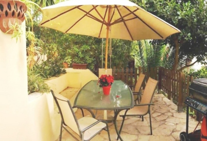Mountain view home for sale in Siesta_9