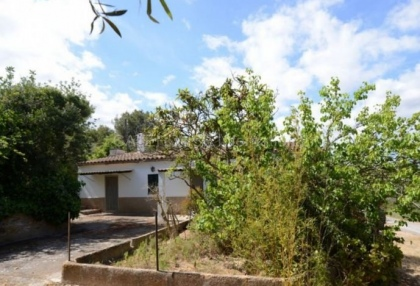 country house with potential for renovation in Santa Eularia_1
