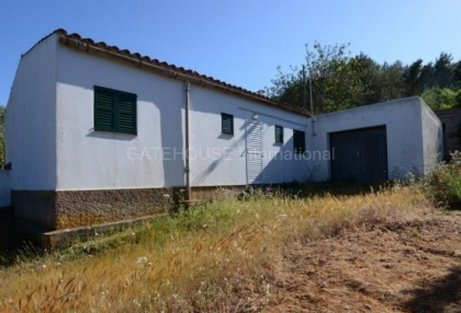 country house with potential for renovation in Santa Eularia_9