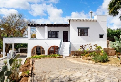 Townhouse for sale on the outskirts of Santa Eularia_1