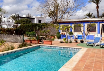 Townhouse for sale on the outskirts of Santa Eularia_2