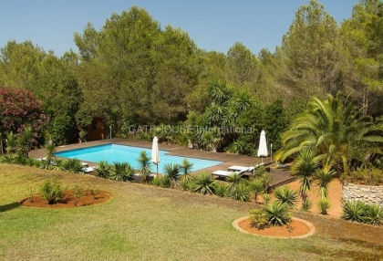 Villa for sale in Santa Eularia with tennis court_2
