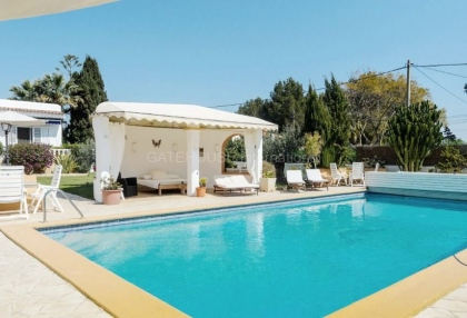 Six bedroom villa with guest house close to Santa Eularia_2