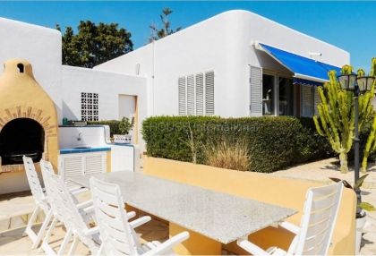 Six bedroom villa with guest house close to Santa Eularia_5