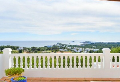 Spacious semi detached house for sale with panoramic sea views in Santa Eularia_1