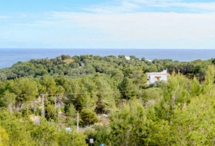 Spacious semi detached house for sale with panoramic sea views in Santa Eularia_12