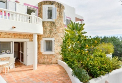 Spacious semi detached house for sale with panoramic sea views in Santa Eularia_2