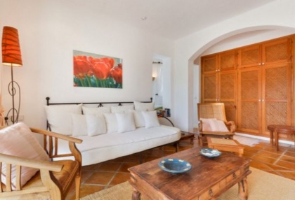 Spacious semi detached house for sale with panoramic sea views in Santa Eularia_4