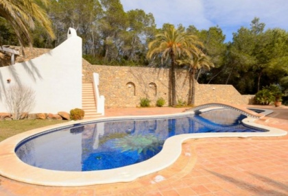 Spacious semi detached house for sale with panoramic sea views in Santa Eularia_8