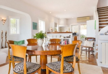 Spacious semi detached house for sale with panoramic sea views in Santa Eularia_9