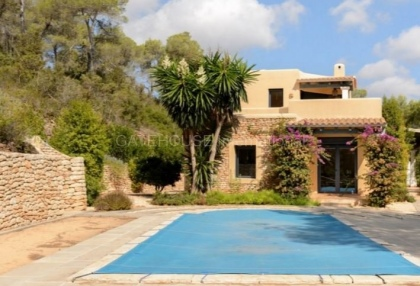 Hillside home with panoramic sea views over Santa Eularia_11