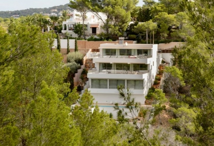 Villa for sale in Cala Moli with sea and sunset views_1a