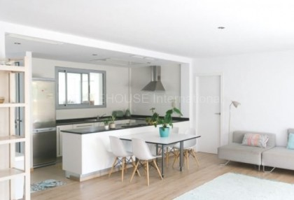 Modern semi detached house in Santa Eularia_4