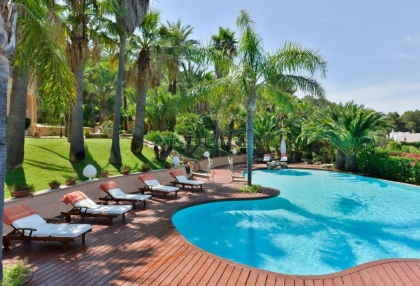 Large private estate with sea views of Ibiza Town_2