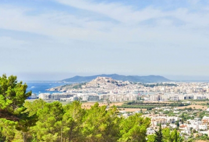Large private estate with sea views of Ibiza Town_3