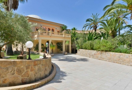 Large private estate with sea views of Ibiza Town_4