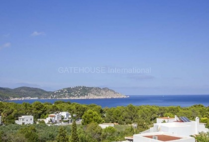 Sea view villa for sale in Es Figueral_4