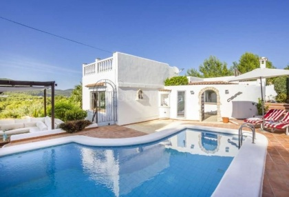 Sea view villa for sale in Es Figueral_6