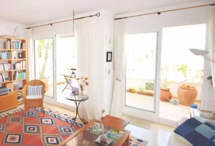 Two bedroom penthouse apartment in Santa Eularia with sea views_6