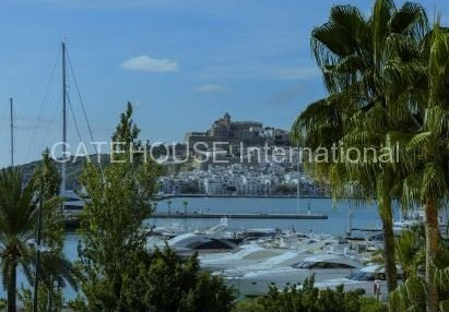 Frontline apartment for sale in Botafoch, Ibiza_2