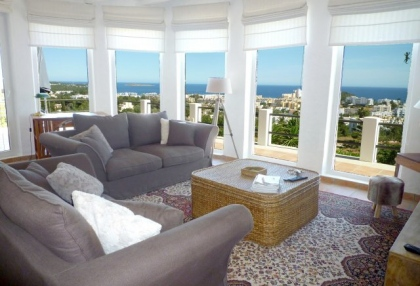 4 bedroom Santa Eularia villa for sale with stunning sea views 9