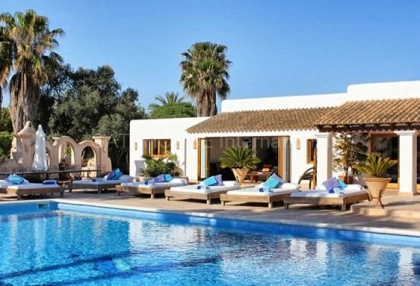 Luxury villa close to Cala Bassa with business potential_1