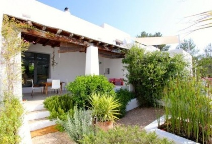 Country House with pool & guest house for sale Santa Eularia Ibiza Town 16