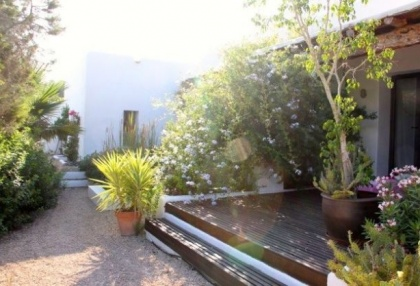Country House with pool & guest house for sale Santa Eularia Ibiza Town 25