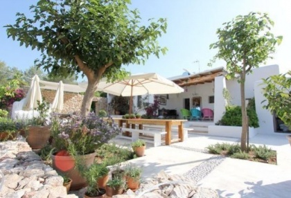 Country House with pool & guest house for sale Santa Eularia Ibiza Town 6