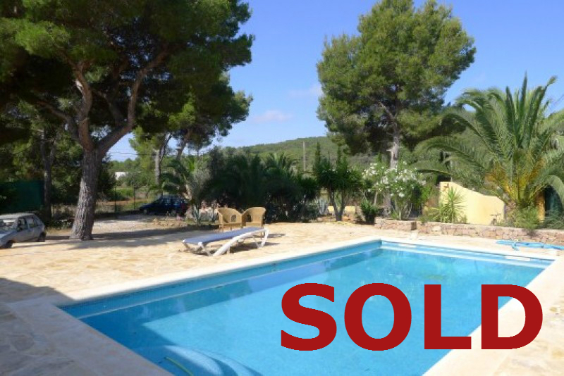 Immaculate family sized home for sale in san carlos ibiza for Immaculate family home