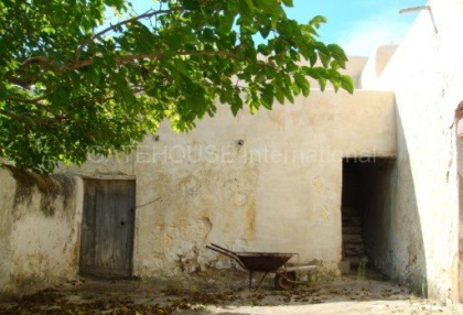 Old Ibicenco finca for sale with land in North Ibiza 12