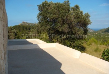 Old Ibicenco finca for sale with land in North Ibiza 14