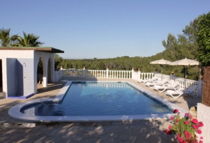 large-5-bedroom-villa-recently-reformed-close-to-amenities-in-santa-eulalia-ibiza-9