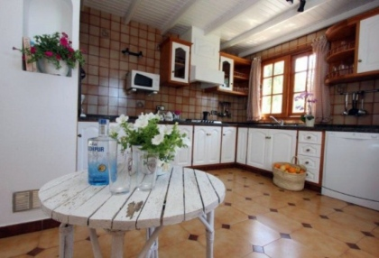 large-7-bedroom-family-home-for-sale-in-san-antonio-ibiza-with-countryside-views-2