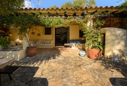 Large traditional Ibiza finca with guesthouse pool vineyard 2