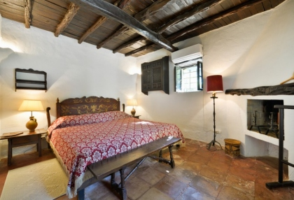 Large traditional Ibiza finca with guesthouse pool vineyard 23