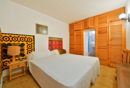 Large traditional Ibiza finca with guesthouse pool vineyard 34