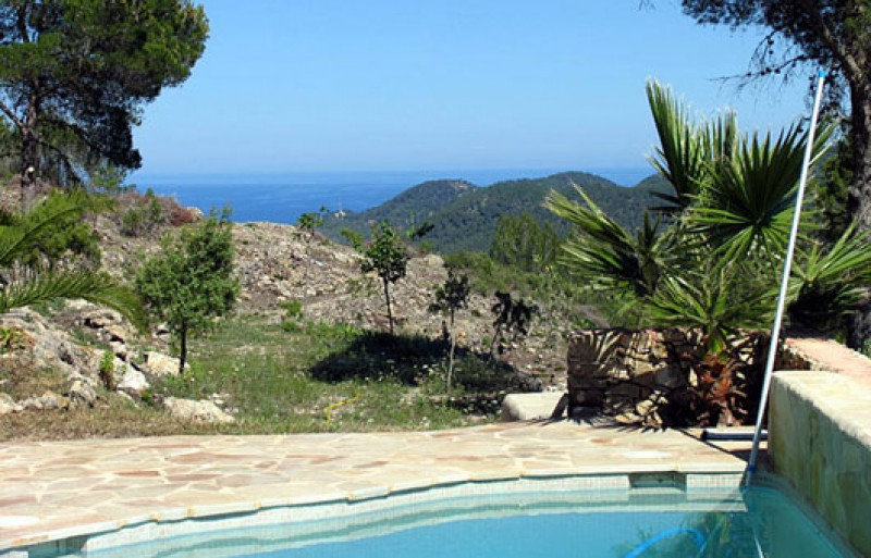 Luxury Finca for sale in San Juan, Ibiza with country views & sea views.