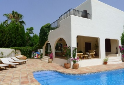 can-furnet-luxury-villa-for-sale-3-bedrooms-countryside-views-1