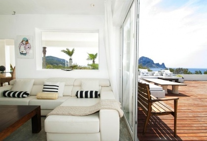 8 bedroom luxury oceanfront villa for sale with sea sunset views to Es Vedra Ibiza San Jose Coast 12