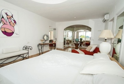 8 bedroom luxury oceanfront villa for sale with sea sunset views to Es Vedra Ibiza San Jose Coast 21